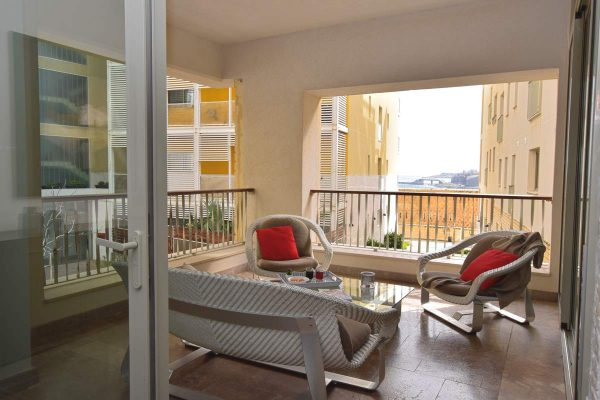 Property for Sale Tigne Point apartment Malta terrace with historic and sea views гражданство Мальты паспорт