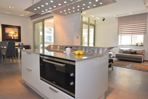 Tigne Point apartment Property for Sale Malta Тинье Пойнт недвижимость аппартаменты open plan kitchen dining and living