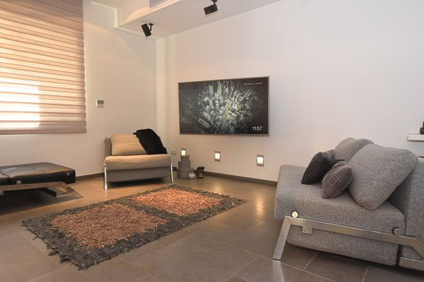 Tigne Point Тинье Пойнт недвижимость аппартаменты apartment Property for Sale in Malta open plan dining lounge area